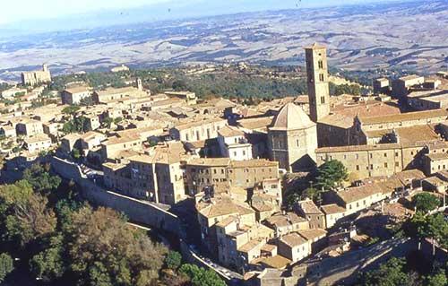 Volterra borghi medievali Toscana