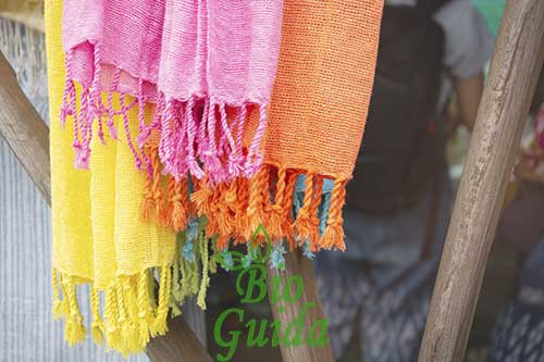Come togliere la muffa dai tessuti colorati