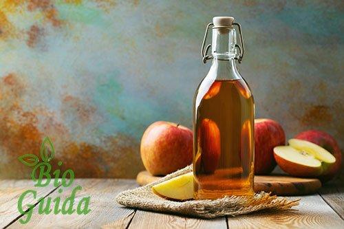 Rimedi naturali forfora: aceto di mele